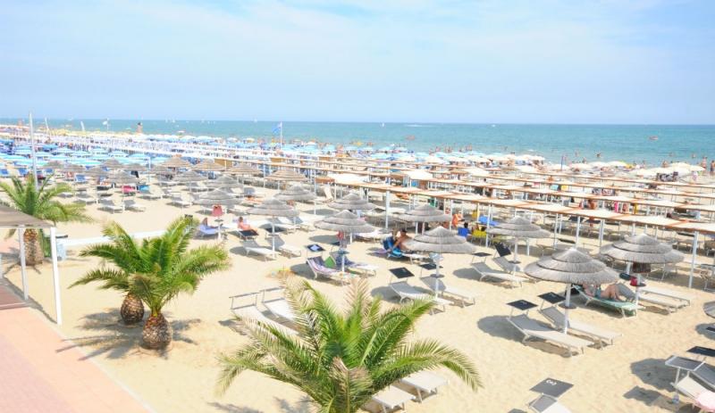 Hotel busignani rivabella di rimini emilia romagna for Bagno 8 rivabella