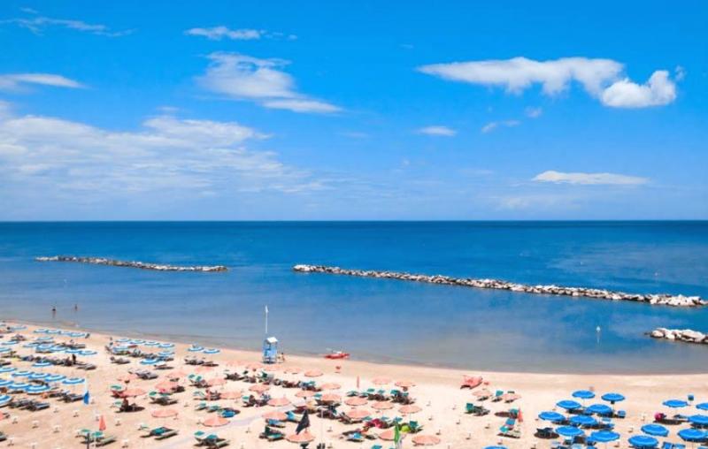 Hotel villa lauretta bellaria igea marina emilia - Bagno eden igea marina ...