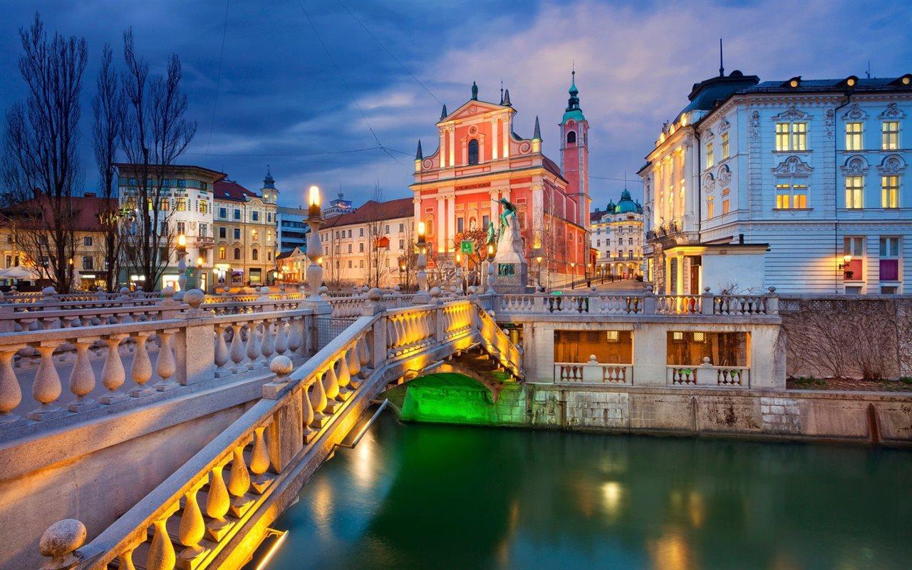 Portorose Slovenia Cartina Geografica.Mercatini Di Natale In Slovenia Bled Slovenia Dlt Viaggi
