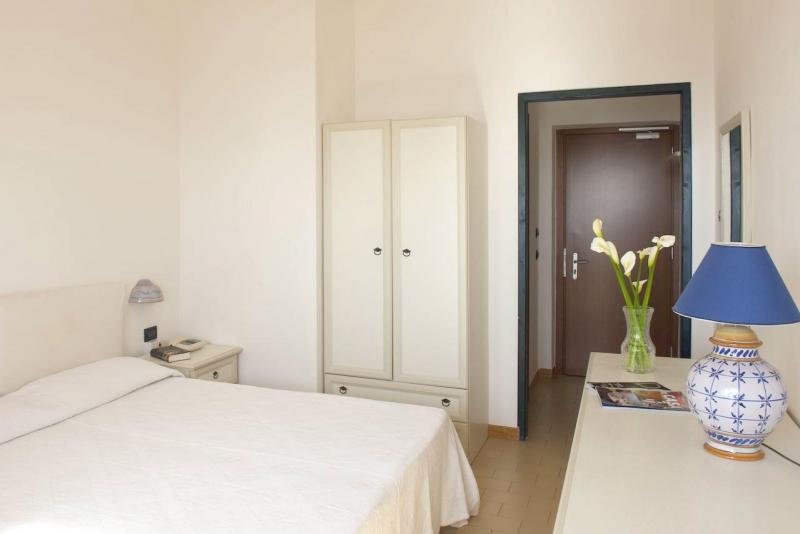 COSSYRA HOTEL | Pantelleria, Sicilia | DLT Viaggi