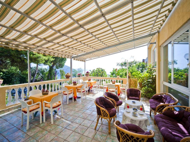 Hotel giardino delle ninfe e la fenice ischia campania - Giardino delle ninfee ...
