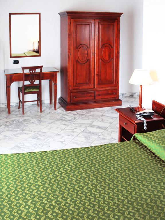 Hotel La Pigna Marina Di Pietrasanta Toscana Dlt Viaggi